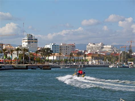 Portimao Pictures | Photo Gallery of Portimao - High