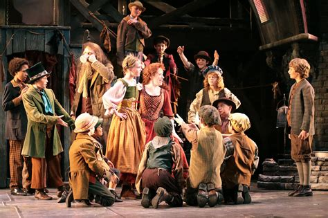 Oliver! at Drury Lane Oakbrook Theater - Theatre reviews