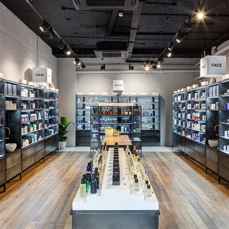 MMUK MAN to open UK's first men's makeup store   Latest