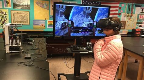 No politics: American, Russian students chat with ISS