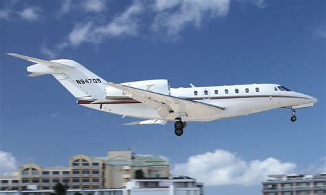 Teamsters NetJets Workers Call on Company to Provide Fair