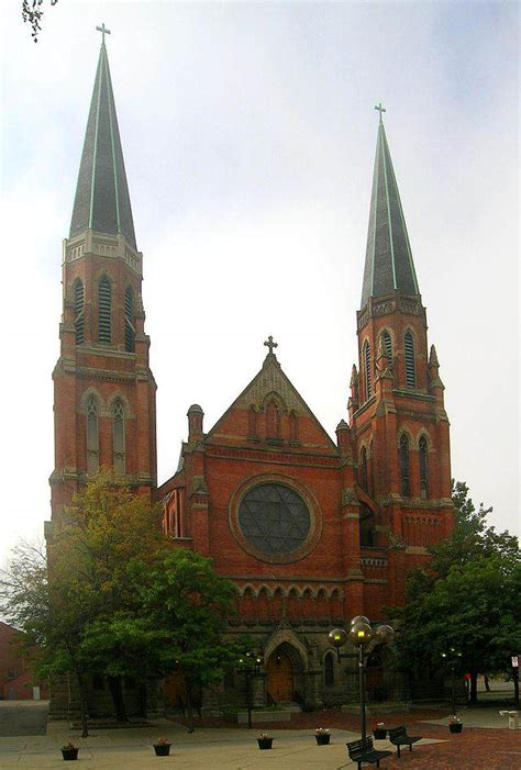 24 Beautiful and Historic Churches in Detroit