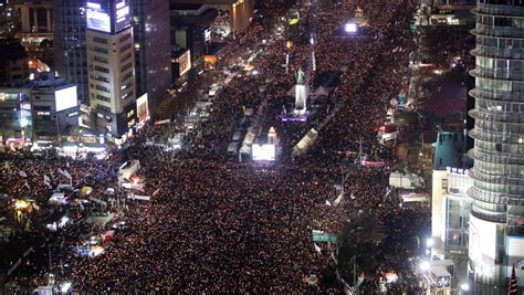 Thousands of protesters demand the ouster and arrest of