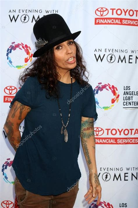 singer Linda Perry – Stock Editorial Photo © Jean_Nelson